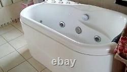 JACUZZI SPA BATH SMALL SHOWER 9 JETS LIGHT 13amp